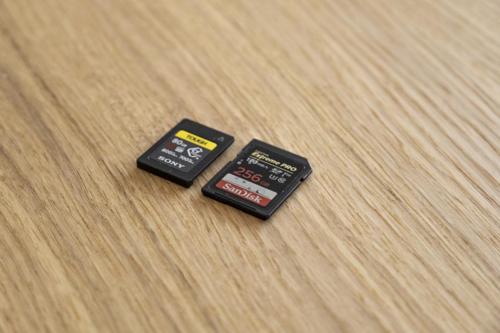 Die Sony Alpha 1 braucht die neue CFexpress-Speicherkarte.