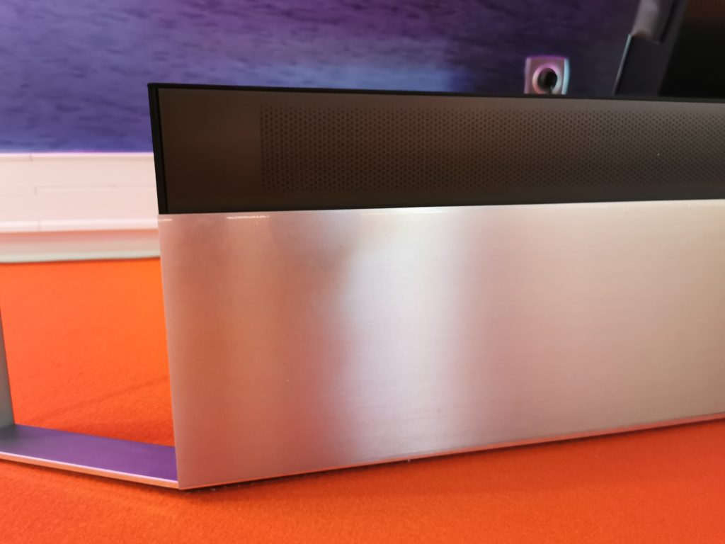 Die Soundbar des TCL X92 Pro liefert 60 Watt.