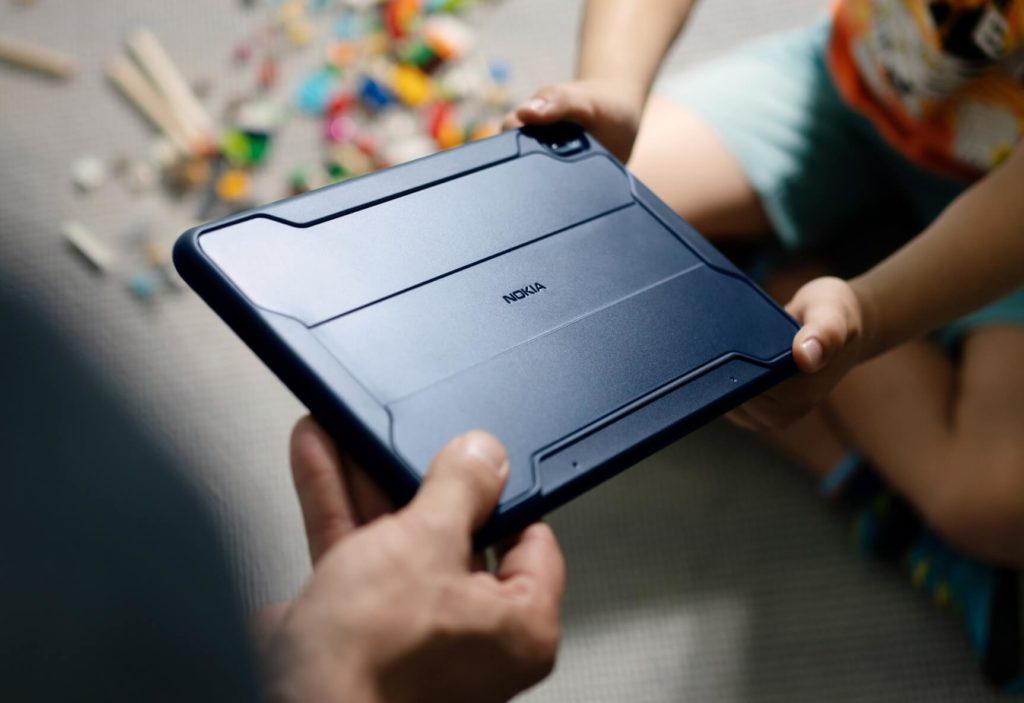 Das Nokia T20 Tablet mit Rugged Case.
